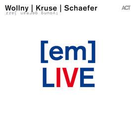[em] Live
