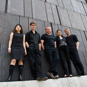 Cynthia Liao, Johannes Dickbauer, Klaus Paier, Asja Valcic, Bernie Mallinger - ©ACT / Thomas Radlwimmer