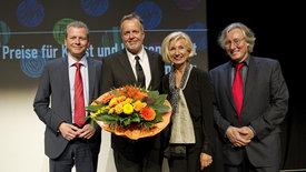 v.l.n.r. Nürnbergs Oberbürgermeister Dr. Ulrich Maly, Wolfgang Haffner, Nürnbergs Kulturreferentin Prof. Dr. Julia Lehner, Laudator Roland Spiegel (C) Jutta Missbach
